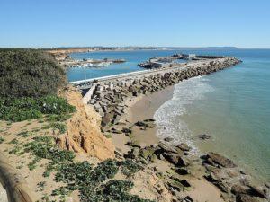 Hafen Conil de la Frontera 2 300x225 - 5 mejores pueblos de Cádiz que no te puedes perder este verano