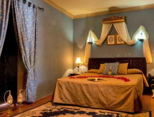 otono romantica 300x228 - Hotel para San Valentín 2019. Un romance inolvidable